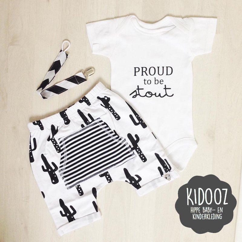 Hippe originele babykleding