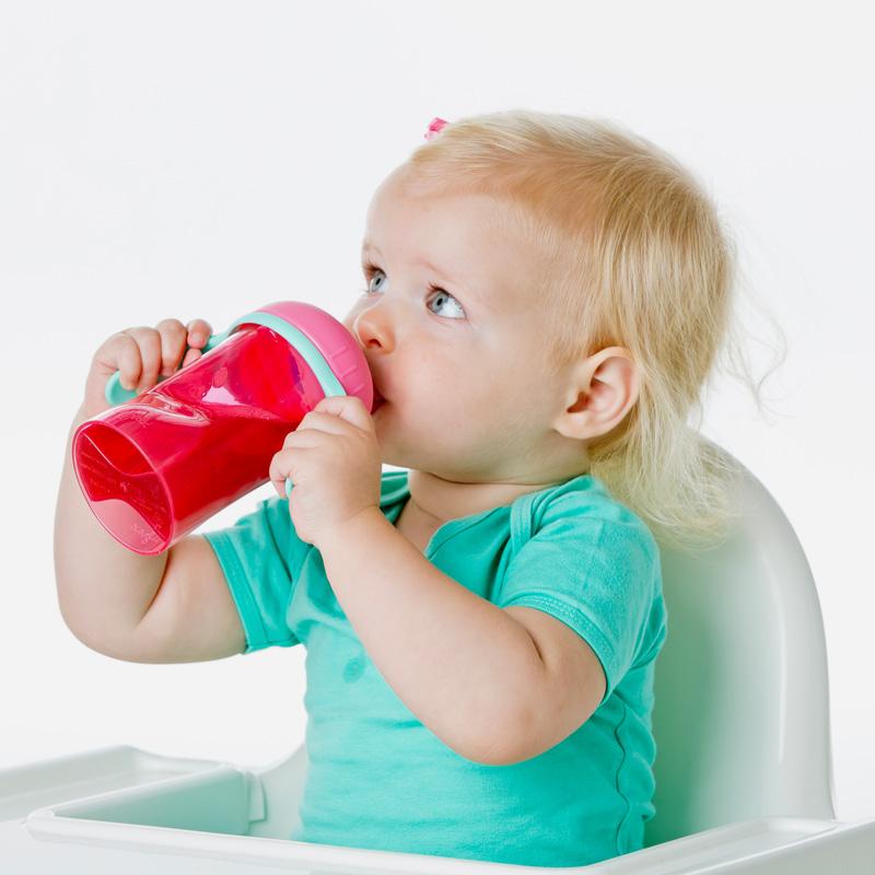 Het niet goed schoonmaken van de babyfles of drinkbeker van je kindje kan leiden tot infecties