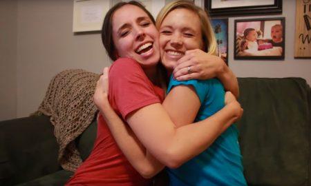 wat-toevallig-een-dubbele-zwangerschaps-verasssing-voor-deze-twee-zusjes-2