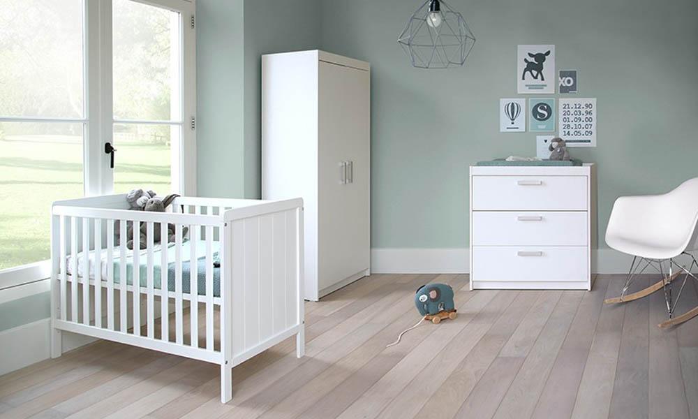 Leuke Kinderkamer Kast : Inspiratie: babykamer ralph wit met ledikant commode en kast