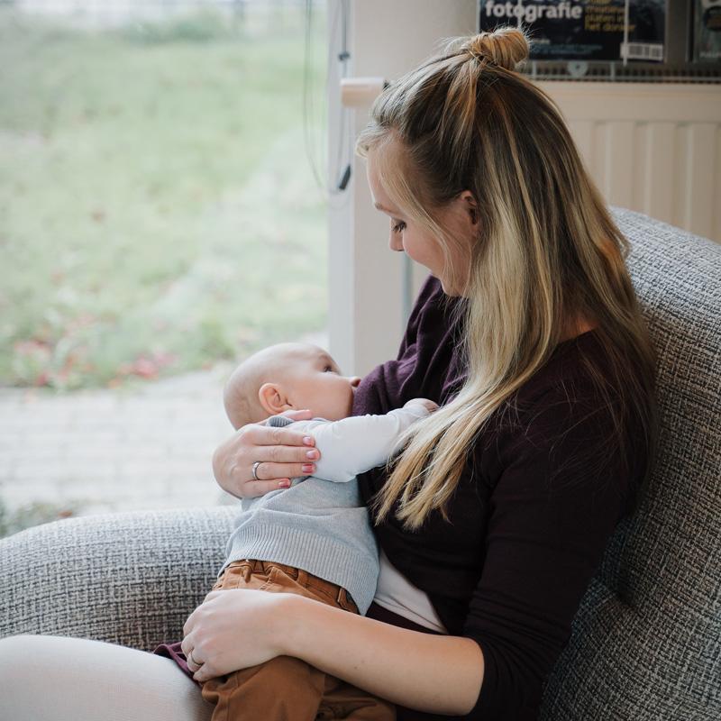 mama leeonie het voedingsschema van 0 tot 8 maanden