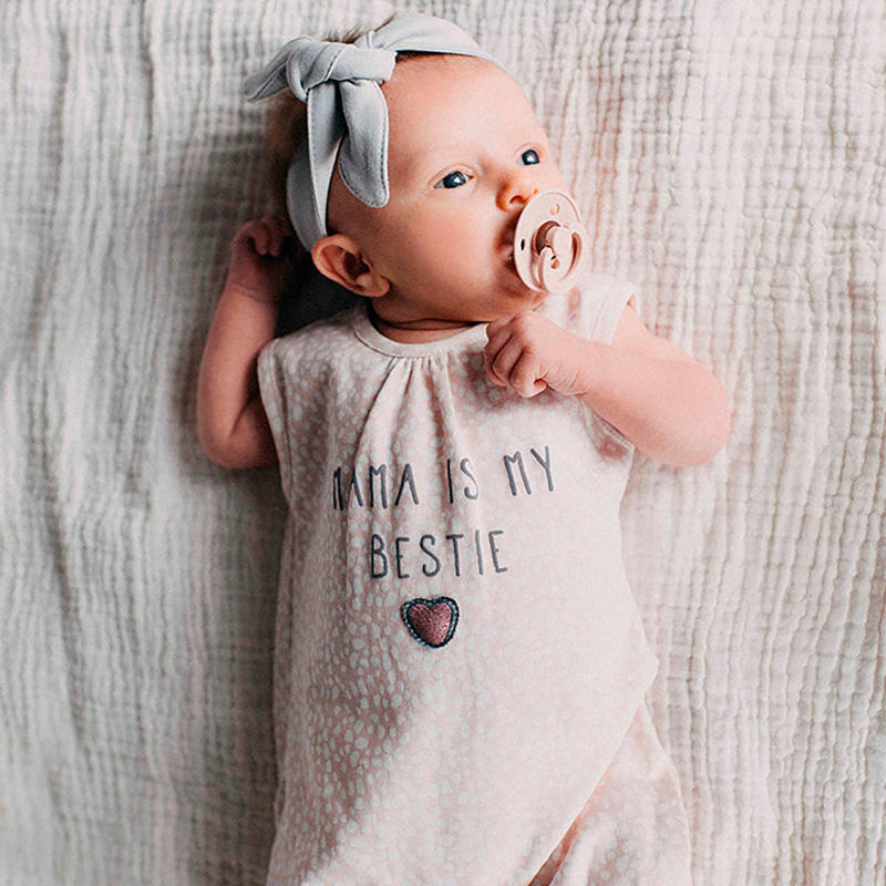 Het merk zero2three babykleding